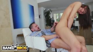BANGBROS – PAWG Step Daughter Aidra Fox Takes Control Of Daddy